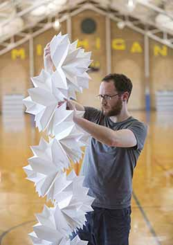Shlian with tall origami