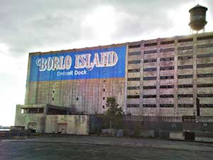 Boblo Island Detroit dock building (via Wikipedia).