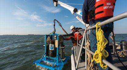 Robot scans Lake Erie