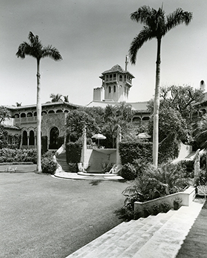 Mar-a-Lago exterior, B&W, Post papers