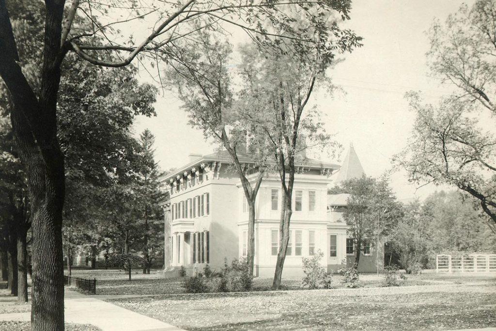 President's back yard, 1920s