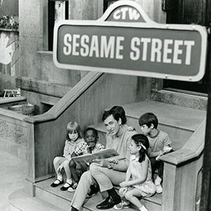 McGrath reads to kids