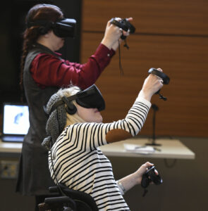 Nurses experiment with VR technology.