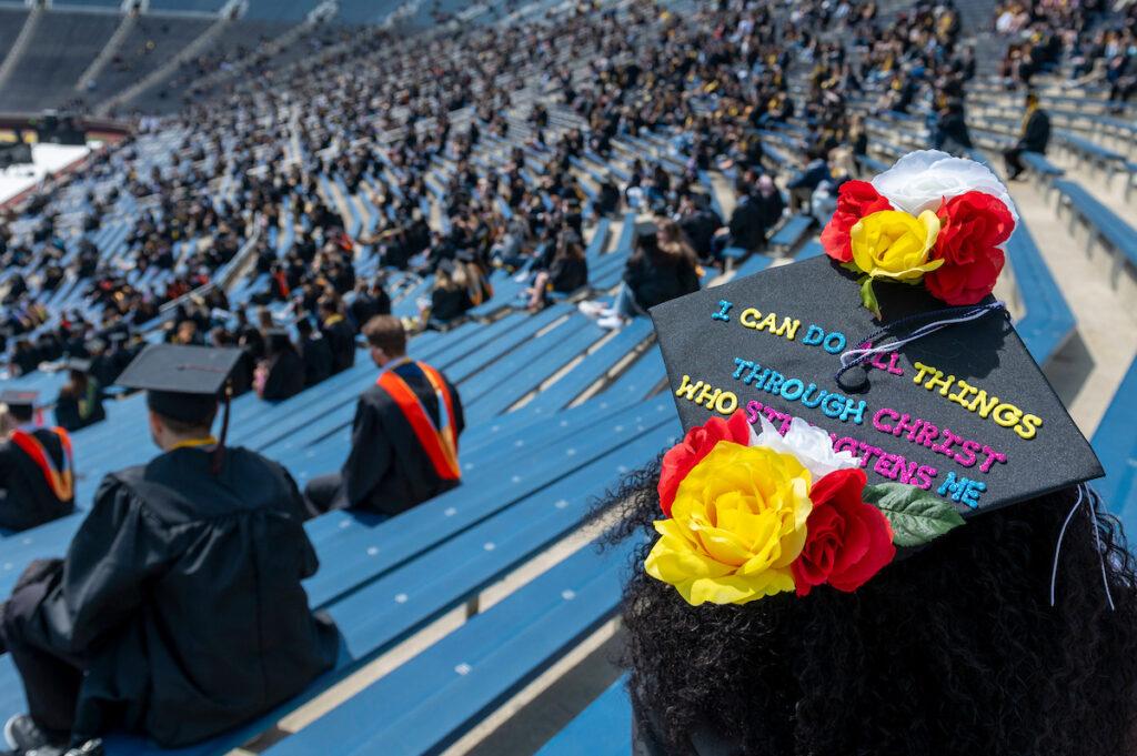 Graduation cap celebrates faith