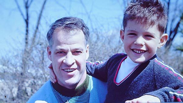 Gordie Howe and his youngest son, Murray Howe, BS '82/MD '86.