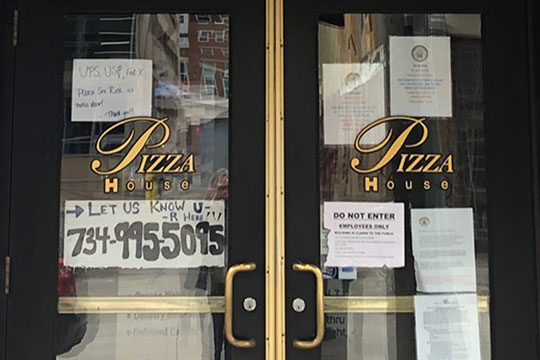Pizza House signs, pandemic