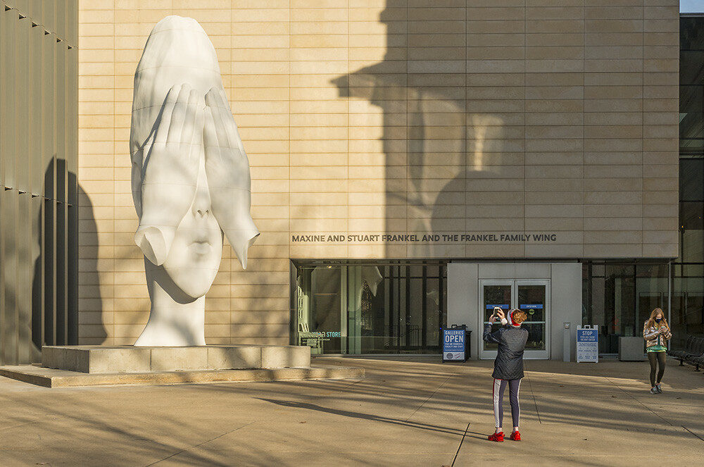 Photographer shoots the sculpture